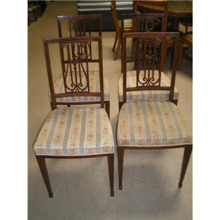 Lot 4 Chaises Style